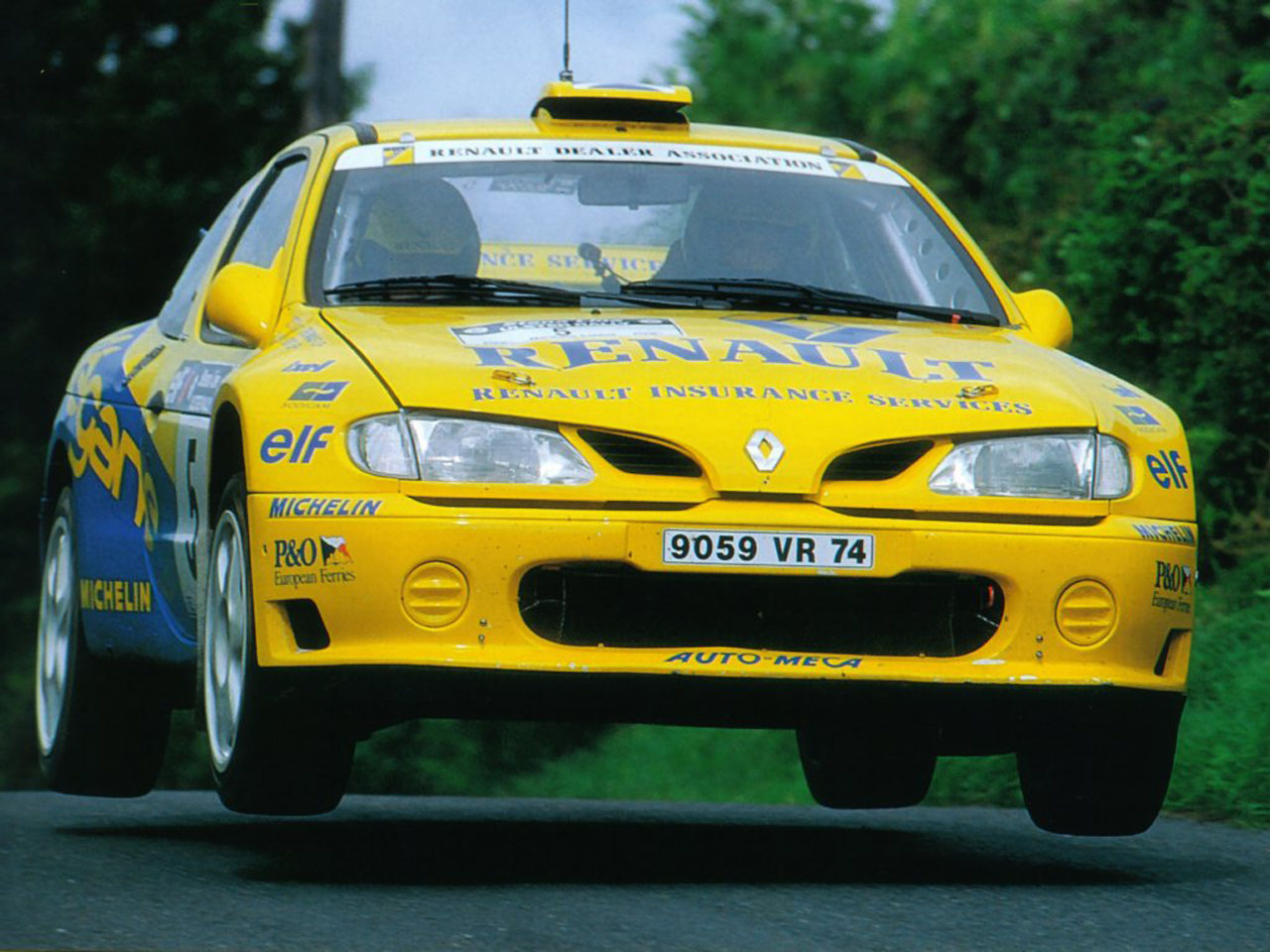 Renault Megane Maxi.