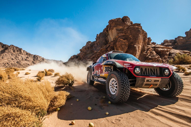 Dakar 2020: Sainz domina e Alonso rimonta, Sunderland costretto al ritiro